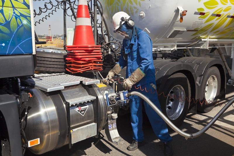 Resultado de imagem para gás natural em relação ao Diesel